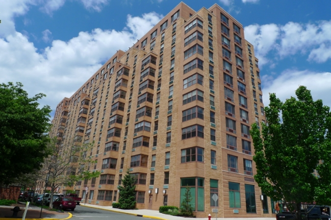 Trouble selling your Condo. Hudson Tea Building condos and rentals located at 1500 Washington