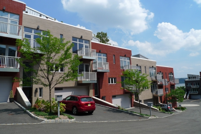 Vela townhomes edgewater nj real estate townhomes for sale for Edgewater homes